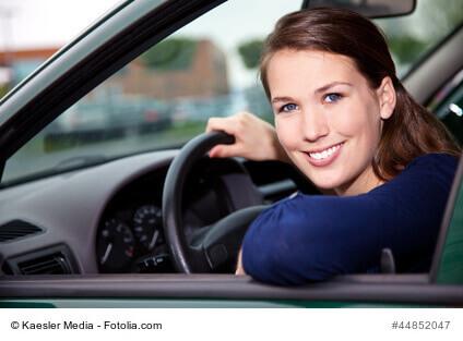 Sind Auto und KFZ Versicherung steuerlich absetzbar und was ist die Entfernungspauschale?